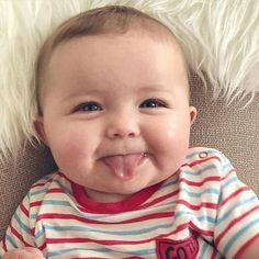 If you are lucky to have a baby girl or boy, you can easily understand power of baby charm. Cute babies are nothing less than marvels of joy. Why people love So Cute Baby, Cool Baby, Baby Images, Cute Baby Pictures, Baby Kind, Baby Love, Cute Kids, Bebe Baby, Precious Children