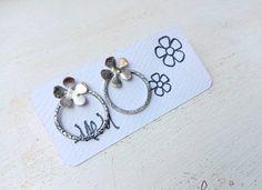 orecchini con cerchio  e fiore con argento 925 fuso