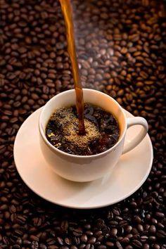 Coffee Sayings For Teachers - Coffee Tea Thoughts - - - Coffee Cozy - Keto Coffee Coffee And Books, I Love Coffee, Black Coffee, Hot Coffee, Coffee Drinks, Decaf Coffee, Good Morning Coffee Gif, Coffee Break, Coffee Time