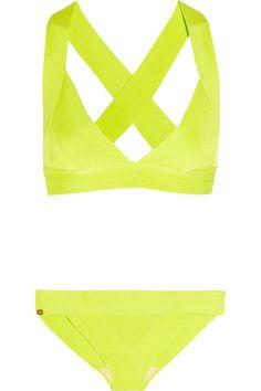 <3 this sporty herve léger lime bikini. #funforsummer #bikiniclease
