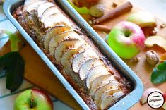 Chec cu nuci si ciocolata alba | Prăjiturici și altele Sausage, Apple, Meat, Fruit, Food, Apple Fruit, Sausages, Essen, Meals