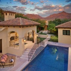 Paradise Valley A Real Estate Agent