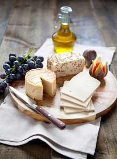 Vegan cheese !!!  in VEGAN, a french cookbook published by La Plage. Recipes & photo : Marie Laforet