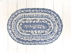 Classic Blue and White Decor – Oval Accent Rug - Threadway Design Stylish Home Decor, White Home Decor, Wedgewood China, Indigo Flower, Cozy Reading Corners, Blue Bell Flowers, Classic Blues, Bandana Design, Great Housewarming Gifts