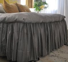 diy Ruffled Bed From Bed Sheets using two king-sized sheets to make allfreesewing.com
