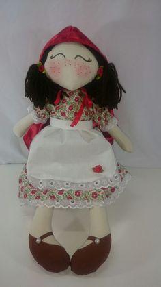 Boneca Chapéuzinho Vermelho coleção fábulas infantis.  Ateliê Voga  Contato elis.voga@gmail.com WWW.atelievoga.com