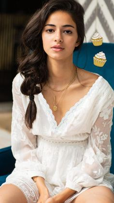 Ananya pandey cute and hot bollywood Indian actress model unseen latest very beautiful and sexy wedding smile images of her body curve south. Indian Bollywood Actress, Bollywood Girls, Beautiful Bollywood Actress, Beautiful Actresses, Indian Actresses, Beautiful Girl Indian, Beautiful Girl Image, Most Beautiful Indian Actress, Beautiful Women