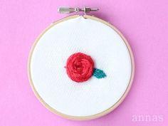 【スパイダー・ウェブ・ローズ ステッチの刺繍】spider web rose stitch 難しそうですが、カゴみたいに交互に編んでいくだけの簡単なステッチ。 好きなステッチなので、ぜひ知ってもらえたらと撮りました♡ . このシリーズは数回に分けて、やっていこうと思います☆ #基本のステッチシリーズ . . #刺繍 #手刺繍 #embroidery #embroidered #handmade #アンナス #annas #川畑杏奈 #刺繍部 #stitch #needlework #needle #handembroidery #チクチク #チクチク部 #刺繡 #자수 #手芸 #ちくちく #ししゅう #ハンドメイド初心者 #ステッチ #ソーイング部 #sewing #sewinglove #ilovesewing #spiderwebrosestitch #spiderwebrose #スパイダーウェブローズ