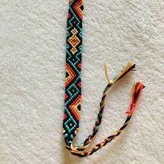 Diy Bracelets With String, Diy Bracelets Easy, Thread Bracelets, Embroidery Bracelets, Summer Bracelets, Bracelet Crafts, Handmade Bracelets, Diy Bracelets Patterns, Diy Bracelet Designs