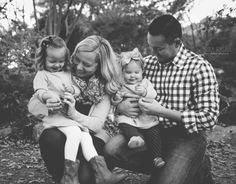 Fort Worth Family Photographer, Family of four, Fort Worth Botanic Gardens, Fall photos, what to wear, sisters, family photo