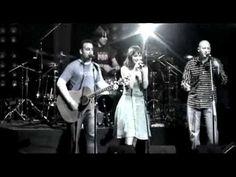 Amaral - Marta, Sebas, Guille y los demás (Videoclip Oficial) (185.058)