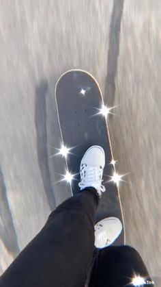 Sky Aesthetic, Aesthetic Movies, Aesthetic Videos, Aesthetic Pictures, Skateboard Photos, Skateboard Videos, Skateboard Girl, Mini Cruiser, Skate Bord