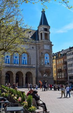 Place d'Armes ~ is a squar in the Luxembourg City in the south of the Grand Duchy old town.