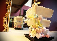Flower Wedding Cake by Kavarium