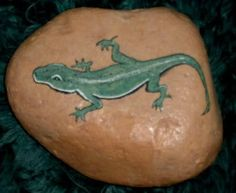 Lizard painted on rock....so cute for the garden