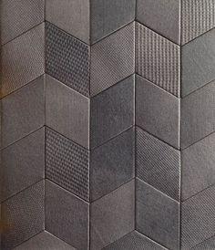 """Empreintes de trames textiles en patchwork, 7 couleurs (20 x 11,5 cm). """" Tex design """", à partir de 385 euros le m2, design Raw Edges pour Mutina chez B'Bath."""