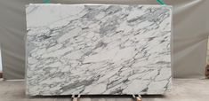 Arabescato marble best quality slabs in stock at unbeatable prices, polished thick slabs. Arabescato Marble, Material Board, Spanish Colonial, Mid Century Modern Furniture, Kitchen Living, White Marble, Natural Materials, Natural Stones, Keep It Cleaner