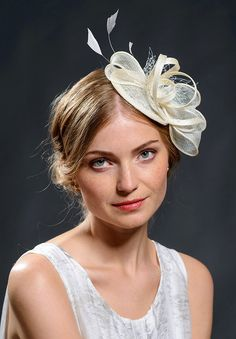 White wedding fascinator hat for your special occasions-New fascinator  style in my shop a340acc68570