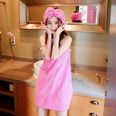 抹胸浴衣款,让甜美的你找到属于自己的宝贝!非常粉嫩的一款浴衣,搭配着发带,满满都是少女情怀~蝴蝶结点缀是最大亮点,立体饱满,透露青春气息~洗完澡后被极致的柔软包裹,尽情享受温暖与浪漫的感觉吧~ -抹胸 -蝴蝶结 -发带 -柔和甜美风