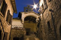 Scheggino, Perugia, Umbria Italy Umbria Italy, Tuscany, Us Travel Destinations, Michigan Travel, Arizona Travel, Us National Parks, Romantic Travel, Architecture Art, Rome