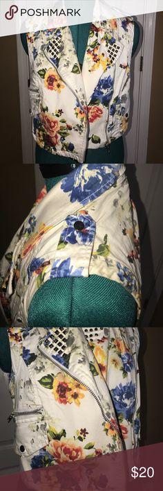 Floral studded vest New Forever 21 Jackets & Coats Vests