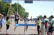 Quenianos dominam Meia Maratona Internacional de Brasília - http://noticiasembrasilia.com.br/noticias-distrito-federal-cidade-brasilia/2015/04/19/quenianos-dominam-meia-maratona-internacional-de-brasilia/