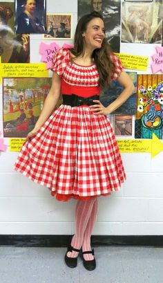 Cassie Stephens: What the Art Teacher Wore Teacher Wear, Teacher Style, Casual Work Outfits, Professional Outfits, Artsy Outfits, Preschool Teacher Clothes, 70s Fashion Pictures, Teaching Outfits, Teaching Clothes