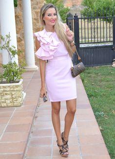 Wedding time 9-9-2014 #kissmylook Sunnies: Miu Miu / Sandals: Zara / Bag: Louis Vuitton / Dress: María Barros vía La más mona