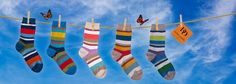 Dore Dore 1819 - www.dore-dore.fr - Découvrez la nouvelle collection de chaussettes DD pour les enfants - Collection Printemps/Eté 2013 - Chaussettes colorées en fil d'écosse. Collection: One Two Six.