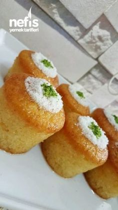 BARDAKTA PORSİYONLUK LİMONLU REVANİ Turkish Delight, Sweet Pastries, World Recipes, Turkish Recipes, Food Art, Desserts, Dessert Recipes, French Toast, Fethiye