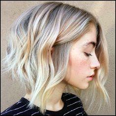 Wavy Lob Frisuren - Farbe & Styling Trends Right Now!  #farbe #frisuren #right #styling #trends