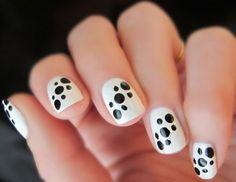 Simple Nail Art Designs, Best Nail Art Designs, Easy Nail Art, Black And White Nail Designs, Black White Nails, Black Dots, White Polish, Manicure Nail Designs, Nail Polish Designs