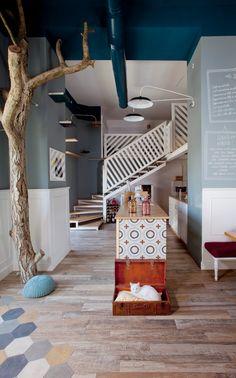 La prima destinazione del viaggio settimanale alla scoperta di alcuni tra i progetti di Interior design di Bistrot e Cafè nelle grandi metropoli, è Roma ci