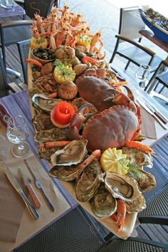 Trendy Seafood Platter For Two 40 Ideas Seafood Buffet, Seafood Platter, Seafood Dishes, Seafood Recipes, Appetizer Recipes, Bbq Appetizers, Meat Platter, Chicken Recipes, Seafood Tower