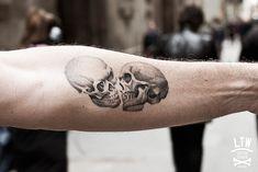 La utilización de calaveras y cráneos está presente en un gran número de obras, pero hay quienes han dado un paso más allá para llevarlas en la piel.