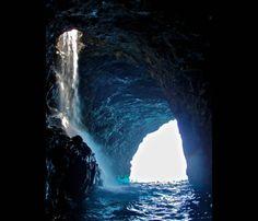 Na Pali Coast Waterfall Cave. Photo by Steve Nelson.