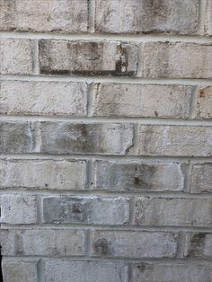 Pinehall brick: Chesapeake Pearl with Desert Buff mortar Farmhouse Exterior Colors, Farmhouse Windows, Exterior House Colors, Farmhouse Plans, White Farmhouse, Light Brick, Large Lanterns, Brick Colors, Farmhouse Chandelier
