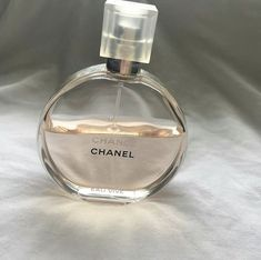 how to make perfume Color Composition, Instagram Cool, Perfume Good Girl, Perfume Zara, Chanel Perfume, Chance Chanel, Brown Aesthetic, Aesthetic Makeup, Aesthetic Pictures