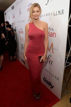 Hily Designs: Gigi Hadid luciendo un diseño de Calvin Klein en los Los Angeles Fashion Awards