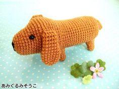 Dog Amigurumi Free Japanese Free Pattern http://amigurumisouko.web.fc2.com/dachs-amizu.html
