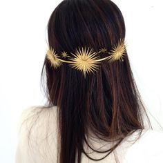 Wedding Hair Accessories That Are Chic, Celestial, and Totally Out of This World… Hochzeit Haarschmuck, die schick, himmlisch und absolut nicht von dieser Welt sind Bräute Pelo Vintage, Celestial Wedding, Circlet, Wedding Hair Accessories, Head Accessories, Bridal Hair, Hair Wedding, Wedding Hair Jewelry, Headpiece Wedding