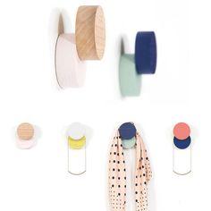 Ideas For Clothes Hanger Art Creative Design Bleu, Solid Wood Dresser, Decoration Entree, Jewelry Tree, Coat Hooks, Wall Hanger, Crochet Clothes, Creative Art, Clothes Hanger