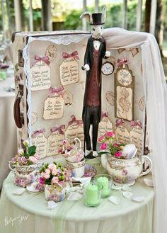 """Vintage tableau de mariage """"Alice in Wonderland"""" theme Más"""
