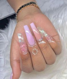 Semi-permanent varnish, false nails, patches: which manicure to choose? - My Nails Claw Nails, Aycrlic Nails, Bling Nails, Best Acrylic Nails, Summer Acrylic Nails, Acrylic Nail Designs, Perfect Nails, Gorgeous Nails, Cute Simple Nails