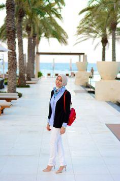 HH Style Guide Black Cardi Sailor Look Haute Hijab