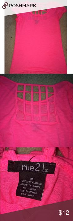 Cut out top Worn a handful of times but still looks brand new. Really cool cut out back, tag says medium but will fit small/medium :) Rue 21 Tops Tees - Short Sleeve