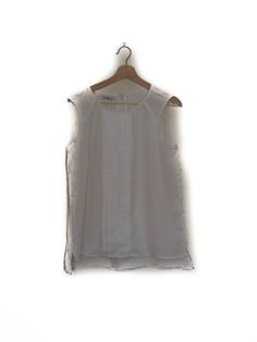 Blusa blanca sin mangas, Blanco  Sleeveless white blouse