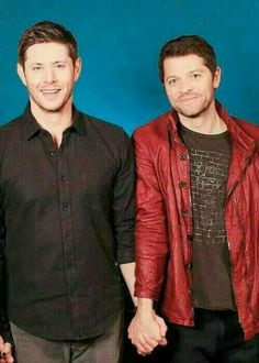 Jensen looks like he's in the middle of laughing but Misha just looks so pleased with himself