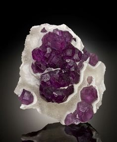 Fluorite on Quartz from De'an Mine, Wushan, Jiangxi Province, China [http://img.irocks.com/2013-updates/RobC-DEN13/Fluorite-DeAnMine-China-2...