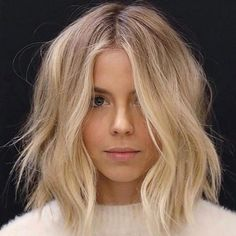 Everyday With J - Hair + Beauty - perfect light blonde balayage - Curls For Medium Length Hair, Curled Hairstyles For Medium Hair, Layered Hairstyles, Middle Part Hairstyles, Mid Length Blonde Hair, Blonde Lob Hair, Blonde Waves, Blonde Long Bob Hairstyles, Centre Parting Hairstyles